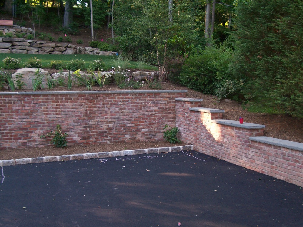 Retaining Wall Construction : S r quality construction retaining walls